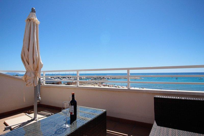'BLAMAR': the sound of Mediterranean Sea, holiday rental in Hoya de los Patos