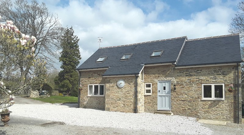 Luxury Barn conversion, vacation rental in Dore