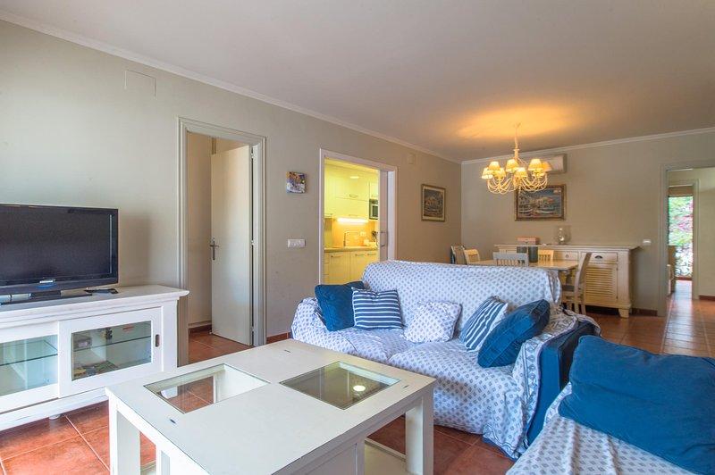 Calella de Palafrugell Apartment Sleeps 6 - 5802816, holiday rental in Calella de Palafrugell