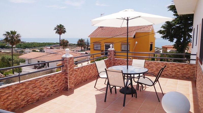 Apartamento cerca de Torre del Mar, holiday rental in Valle Niza
