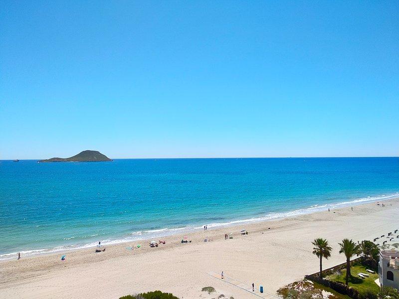 Playa Principe, La Manga Stunning Beach and Ocean Views, Wifi & Air Con, vacation rental in La Manga del Mar Menor