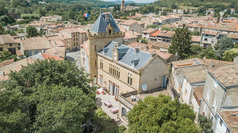 Chateau Terre Blanche Chalabre, holiday rental in Belloc