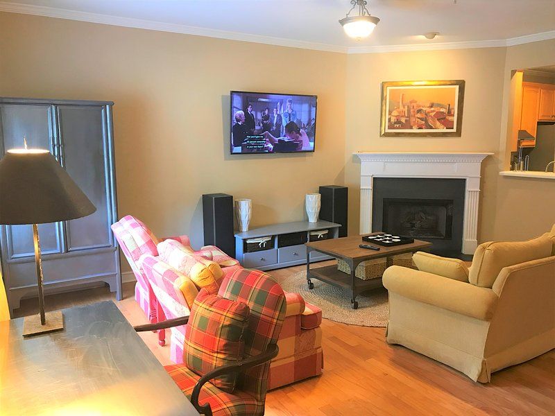 Beautiful Townhome in Excellent Location | Suntrust Park, holiday rental in Marietta