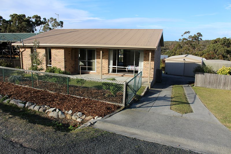 The Nook Bay of Fires, holiday rental in St Helens