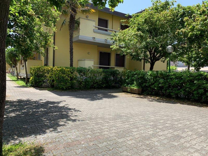 3 bedroom apartment in Marina di Massa Carpi, vacation rental in Ronchi
