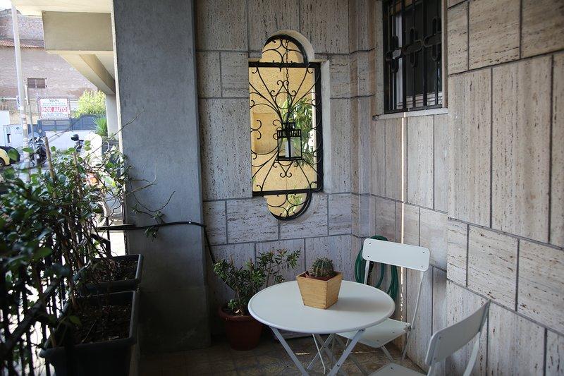 La Casa Blu, delizioso monolocale con giardino, Ferienwohnung in Marco Simone