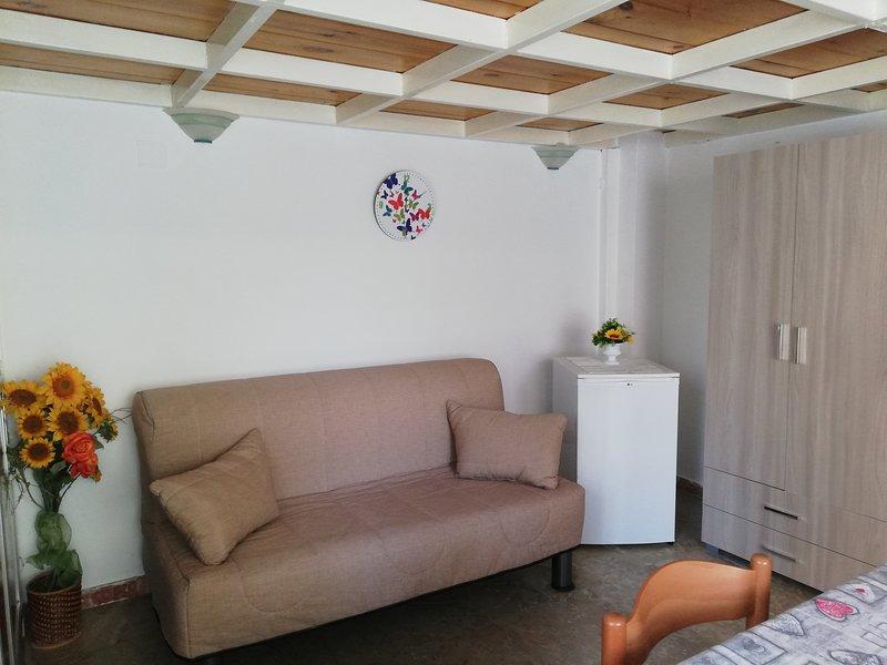 Appartamento piano terra zona terme centralissimo 100mt dal mare, vacation rental in Zapponeta