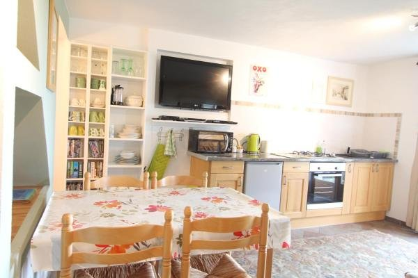 Spacious fully equipped kitchen and dining area