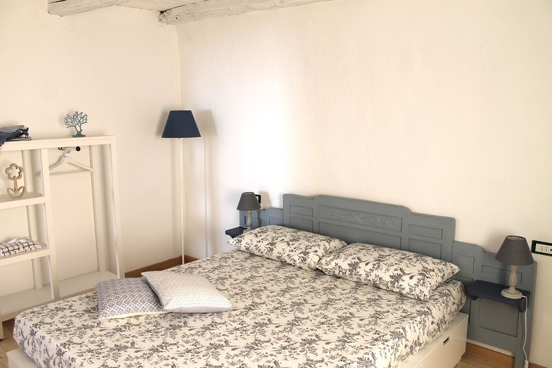 Comfortable bed, new room and old-fashioned atmosphere.