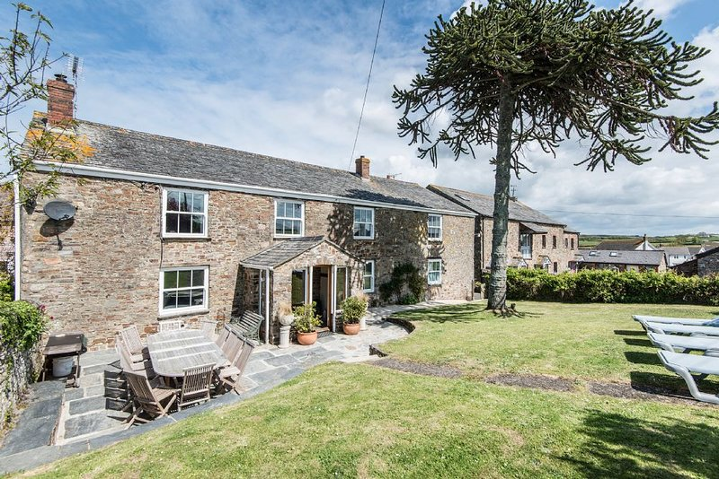 Court Farmhouse (Pets), holiday rental in Bude-Stratton