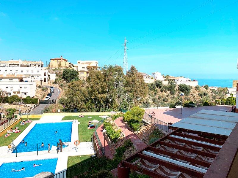 Apartamento Rincón [PISCINAS + WIFI + PARKING + FELICIDAD], vakantiewoning in Rincon de la Victoria