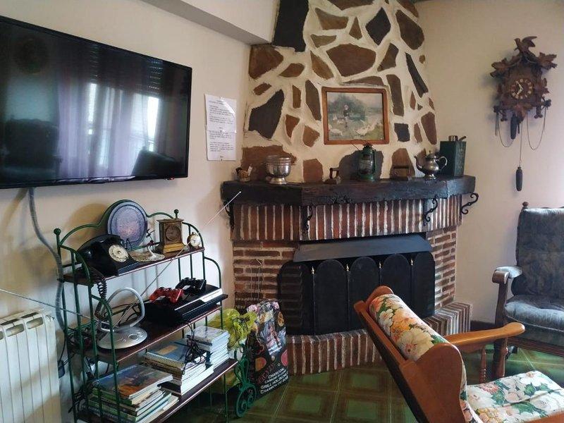 Apartamento rural pueblo turístico de la Rioja,el Rasillo de Cameros, holiday rental in Pradillo