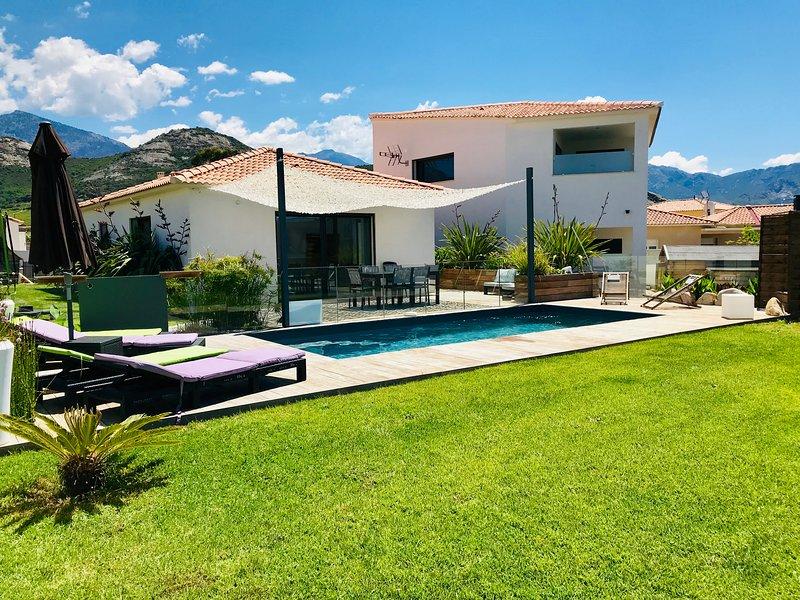Villa avec piscine entre mer et montagne... – semesterbostad i Calvi