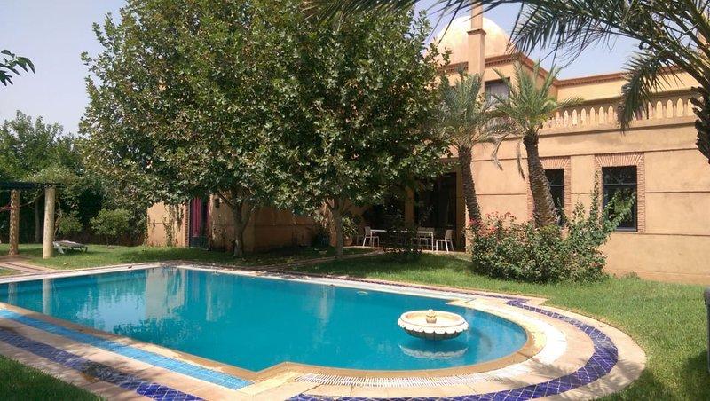 Belle villa dans le golf d'amelkis, alquiler de vacaciones en Ait Azzi