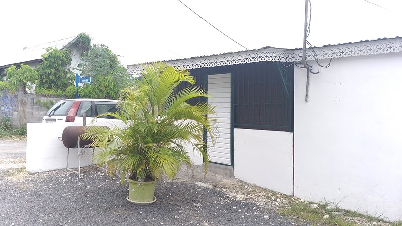 LE MANIOC, holiday rental in Baie-Mahault