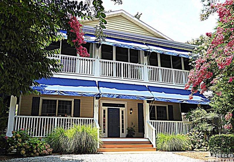 LUXURY BEACH BLOCK HOME: THE CHARLESTON, holiday rental in Rehoboth Beach