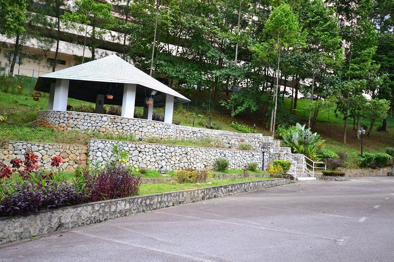 A Designer's Holiday Retreat At Genting, holiday rental in Janda Baik