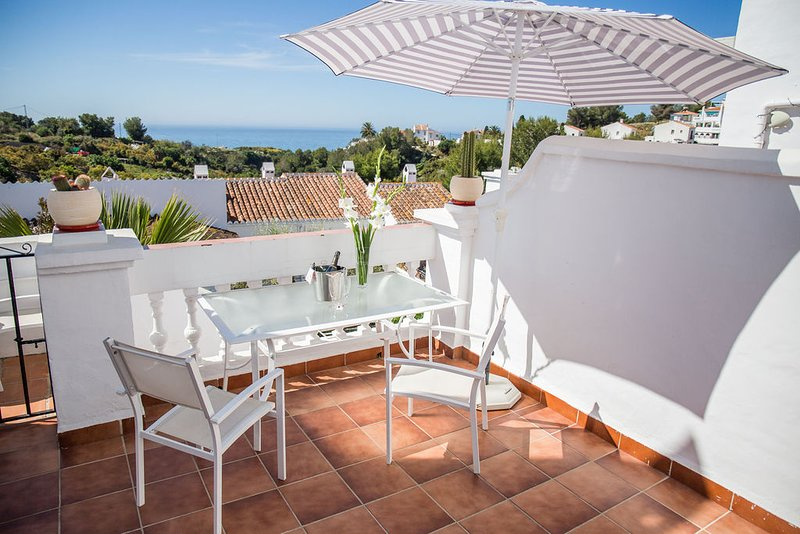 Oasis de Capistrano, Nerja, Stunning Sea Views, holiday rental in Nerja