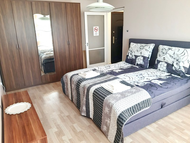 Ladybug Apartment, holiday rental in Tardona