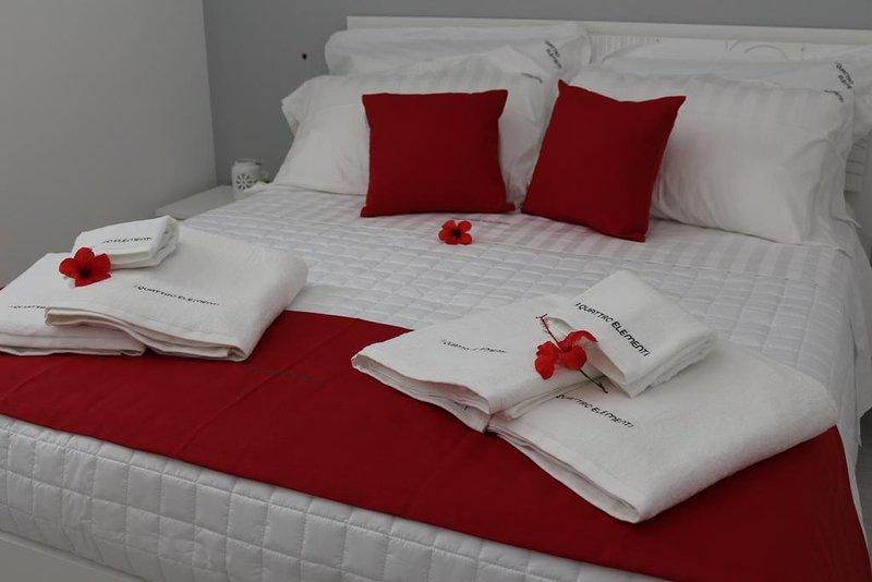 I Quattro Elementi - Appartamento Fuoco, holiday rental in Marina di Mancaversa