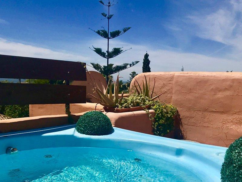 A 200 Metros del Mar Atico duplex de 200 m2 con jacuzzi, vacation rental in Benamara