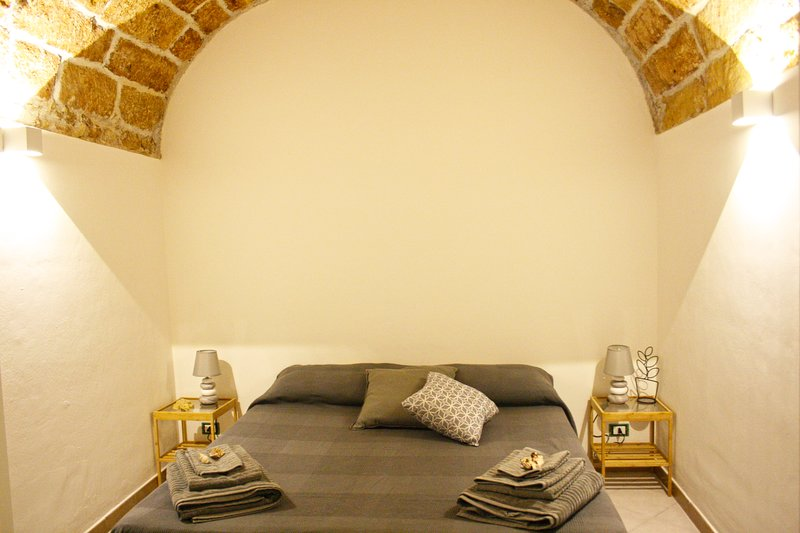 'Le Volte' Holiday Home, holiday rental in Terrasini