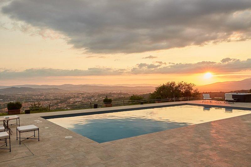 Villa Cristina, your wonderful Tuscan dream !!, location de vacances à Arezzo
