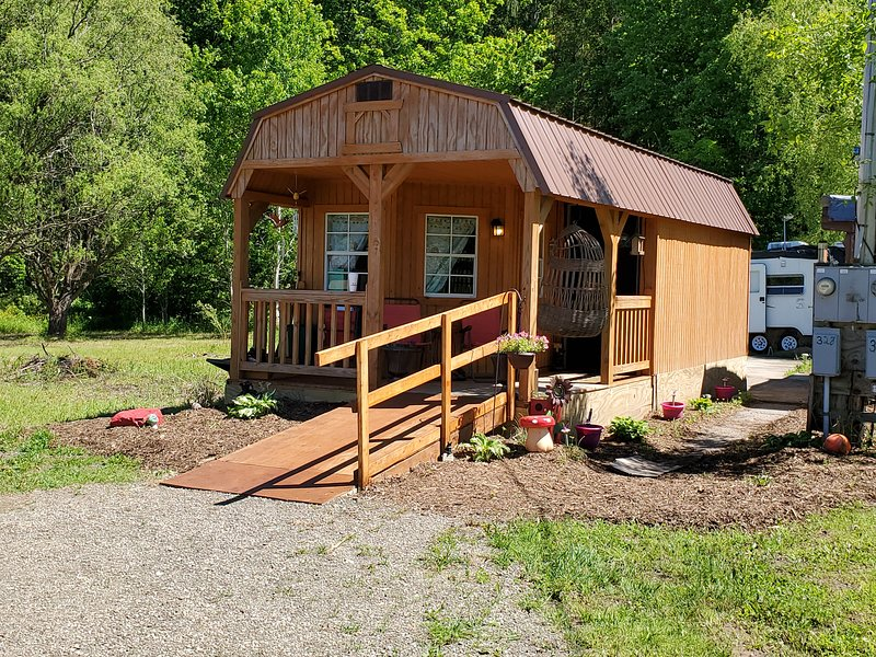 Efficiency Country Cabin, vacation rental in West Monroe