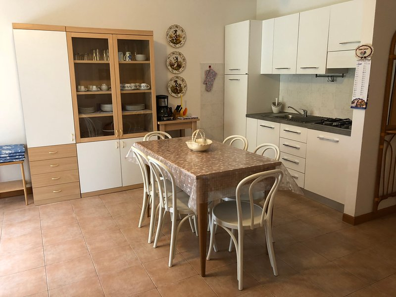 Kitchenette with dining area