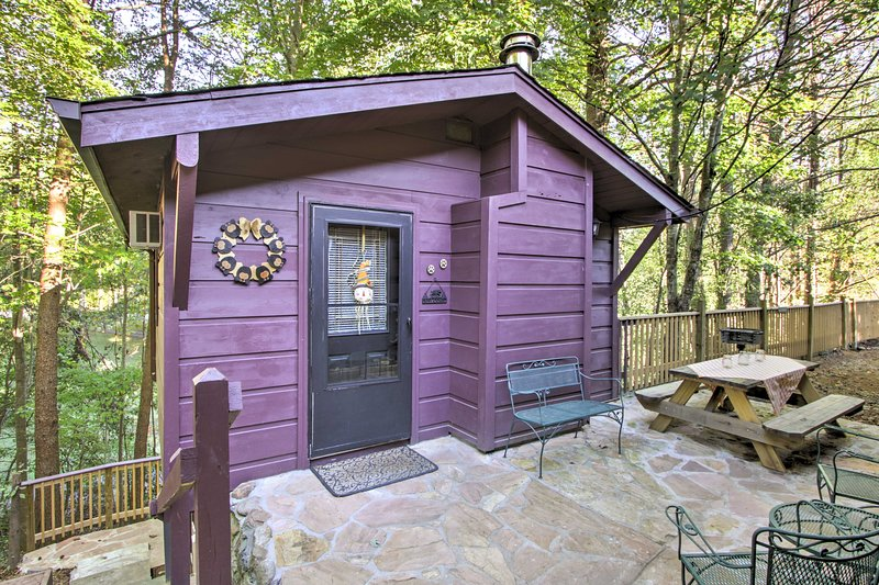 This studio is ideally located in Sevierville!