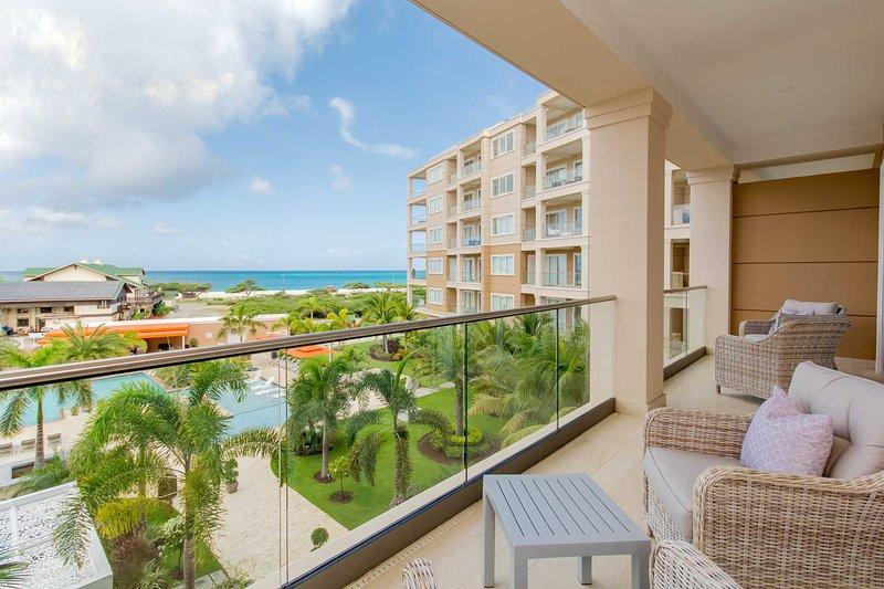 Bienvenido a su condominio de dos habitaciones Alluring Beach View en LeVent Beach Resort