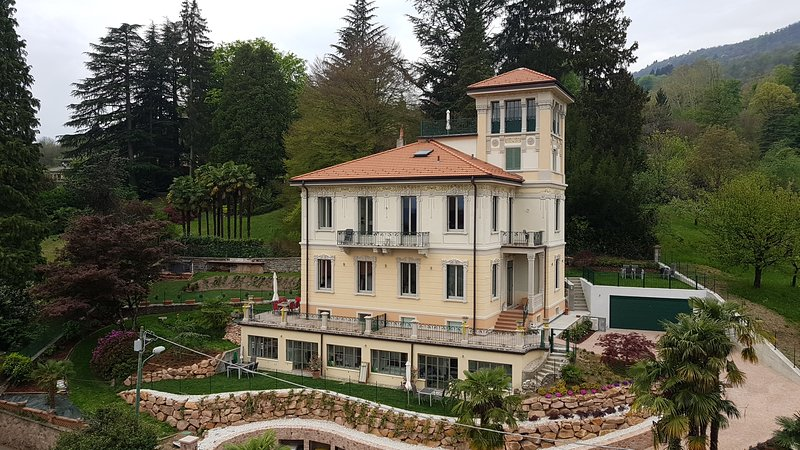 Villa Floreal - 'Orangerie', holiday rental in Morcote