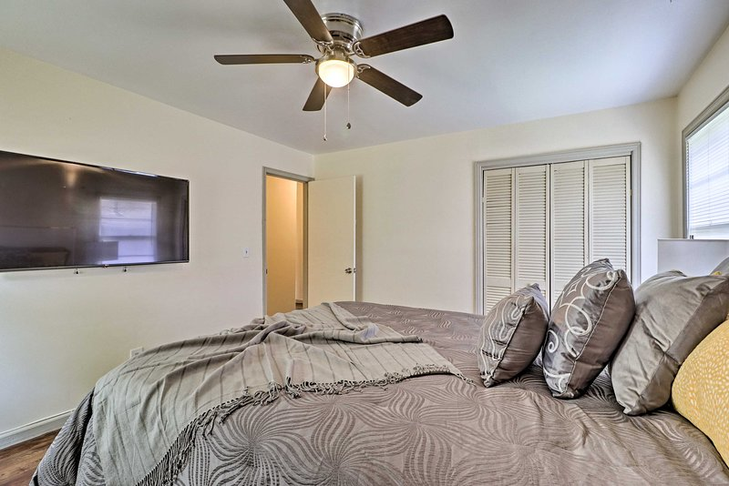 The ceiling fan will help lull you to sleep on warm Georgia nights.