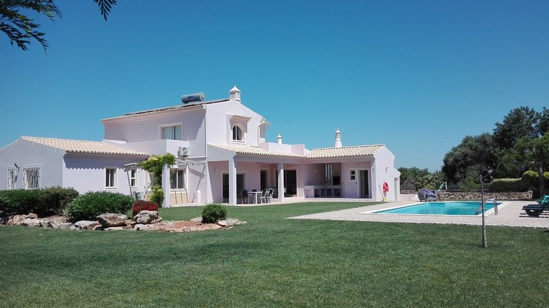 Fruits paradise villa & sea view (also for winter), holiday rental in Guia