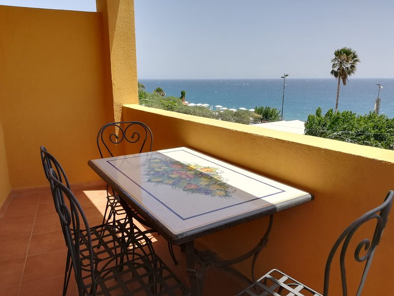 Torre dei Pirati, vacation rental in Letojanni