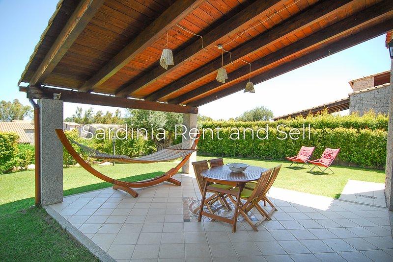 Villa Veronica, 500 metri dalla spiaggia, 4 persone, aria condizionata, location de vacances à Cala Sinzias