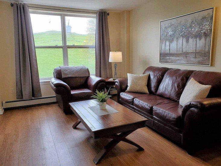 Modern, Bright Downtown Suite, casa vacanza a Sambro