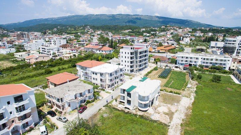 Vista Birdseye della proprietà con il quartiere