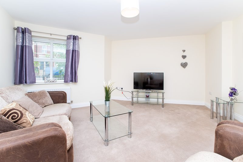 Lovely & Quiet Spacious 2 Bed Modern Fleetwood Flat Newcastle/Gateshead, holiday rental in Gateshead