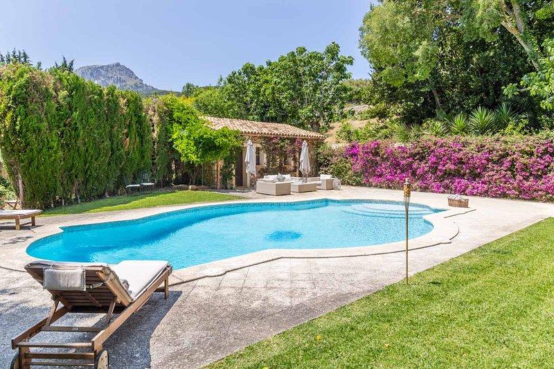 Mallorca Beautiful Villa with pool in Puigpunyent, location de vacances à Estellencs