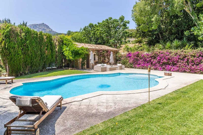 Mallorca Beautiful Villa with pool in Puigpunyent, location de vacances à Galilea