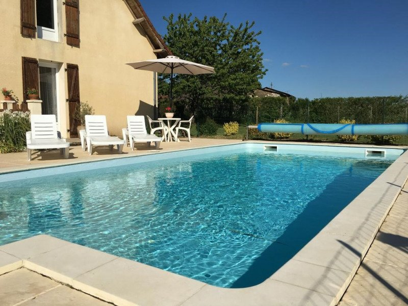 Spacious villa with swimming-pool, vacation rental in Segur-le-Chateau