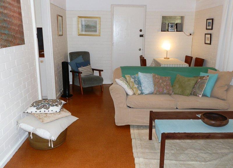 Monet's Retro Maylands accommodation, location de vacances à Dianella