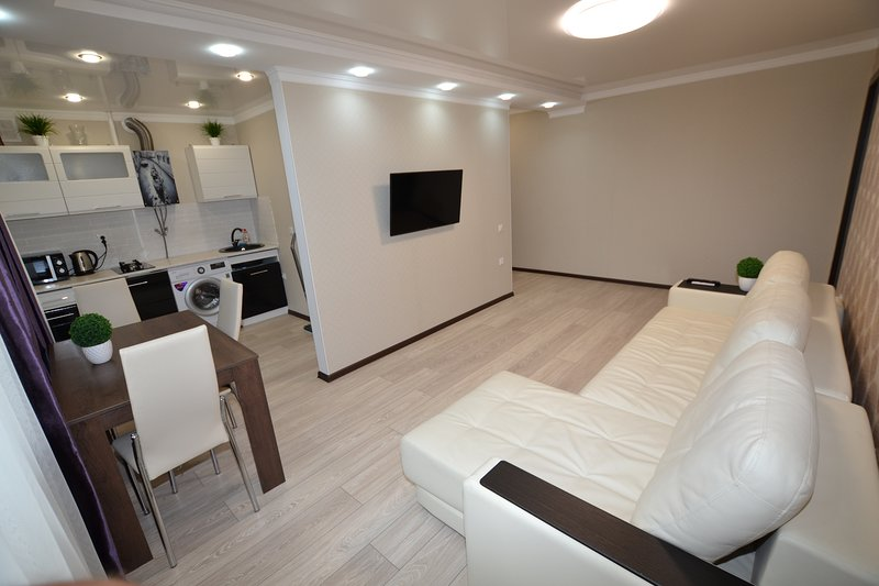 Apartment on Dzerzhinskogo, vacation rental in Kislovodsk