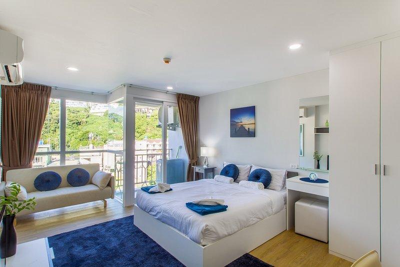 Apartment near Kata beach, studio 3 person, #43, vacation rental in Ban Kata