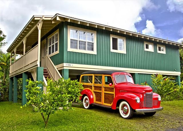 Beautiful, Airy, Bright, minutes walk/block to Hanalei Bay! TVNC#1352, holiday rental in Hanalei