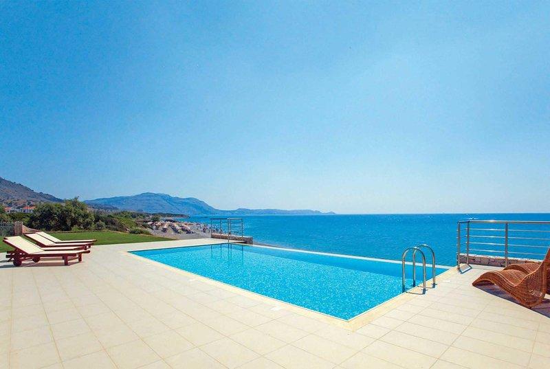 3 bed villa, stunning  beachfront locaton, location de vacances à Kiotari