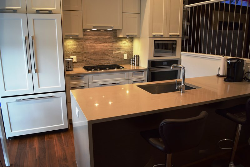 Luxury Condo near the Beach!, vacation rental in Point Roberts