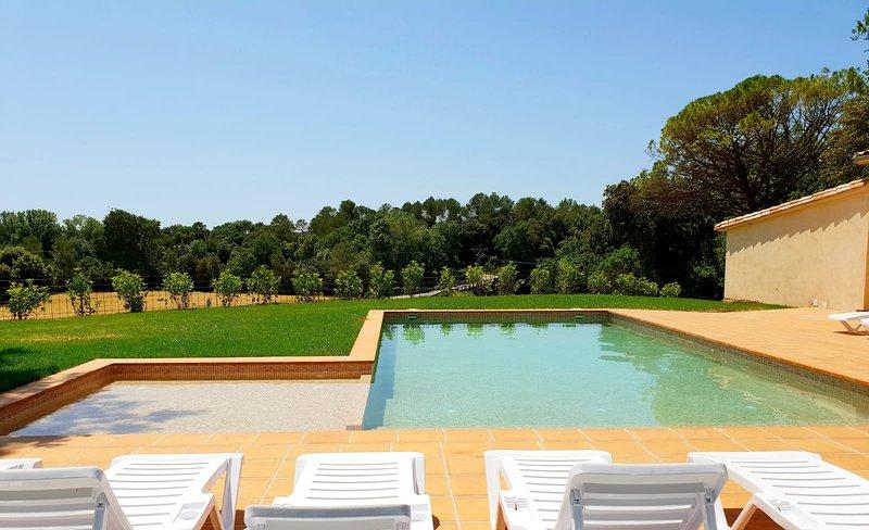 Mas La Casanova: a 25 minutos de la Costa Brava entre Girona, Olot y Figueres, vacation rental in Cistella