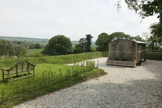 5* Luxury Shepherds Hut, holiday rental in Sprytown